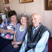 Irma néni Klára lányával és férjével