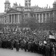 Budapest, Kossuth tér - tele névtelen hősökkel  Fotó: FORTEPAN/Nagy Gyula
