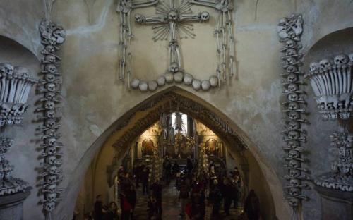 A kápolna a lépcsőről