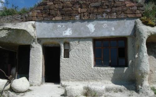 Egy másik ház